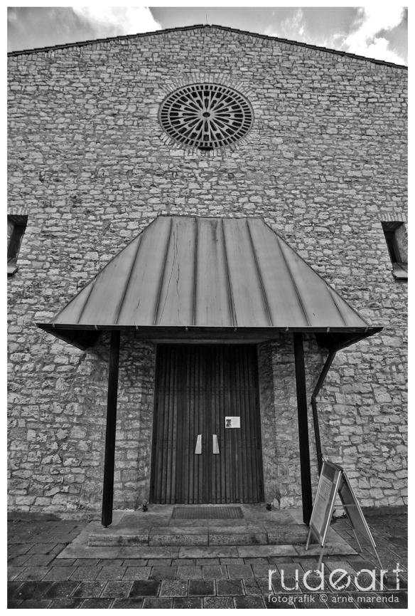 Matthäuskirche, Haupteingang