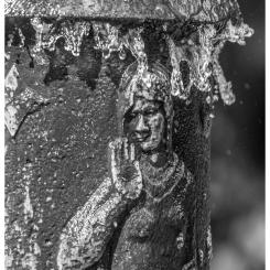 Südfriedhof Nürnberg, Brunnen (Detail)